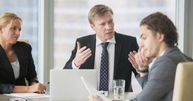 condotta offensiva e vessatoria posta in essere dal datore di lavoro avente a oggetto la presunta omosessualità del dipendente