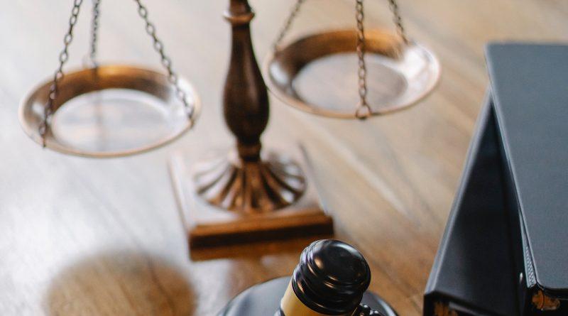 Discriminazione razziale, aggravante della finalità di discriminazione od odio razziale, Corte di Cassazione, sez. V Penale, sentenza 18 novembre 2020 – 7 gennaio 2021, n. 307